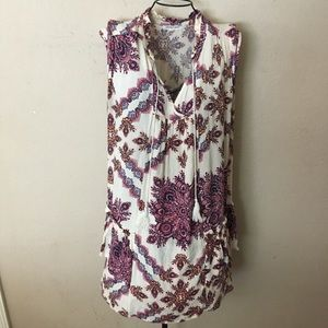 🎉Cute sleeveless fashion top size 1X look🎉
